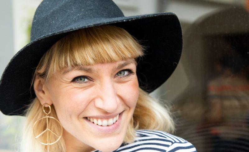 """""""Happy gO LuckY"""" DAY –  """"Laufe leichtfüßig durch dein Leben"""" mit Ana Jovanovic"""